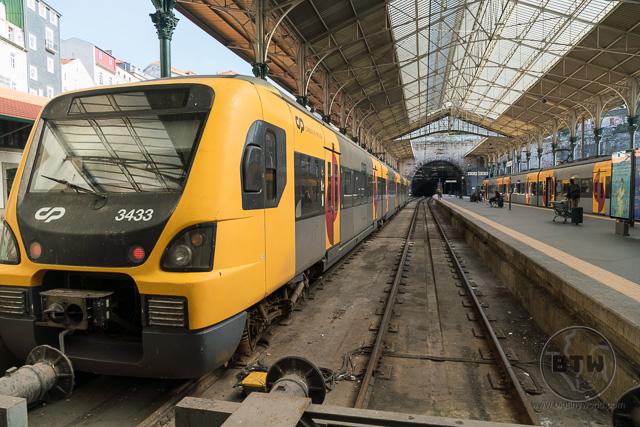 Train arriving at São Bento Railway Station